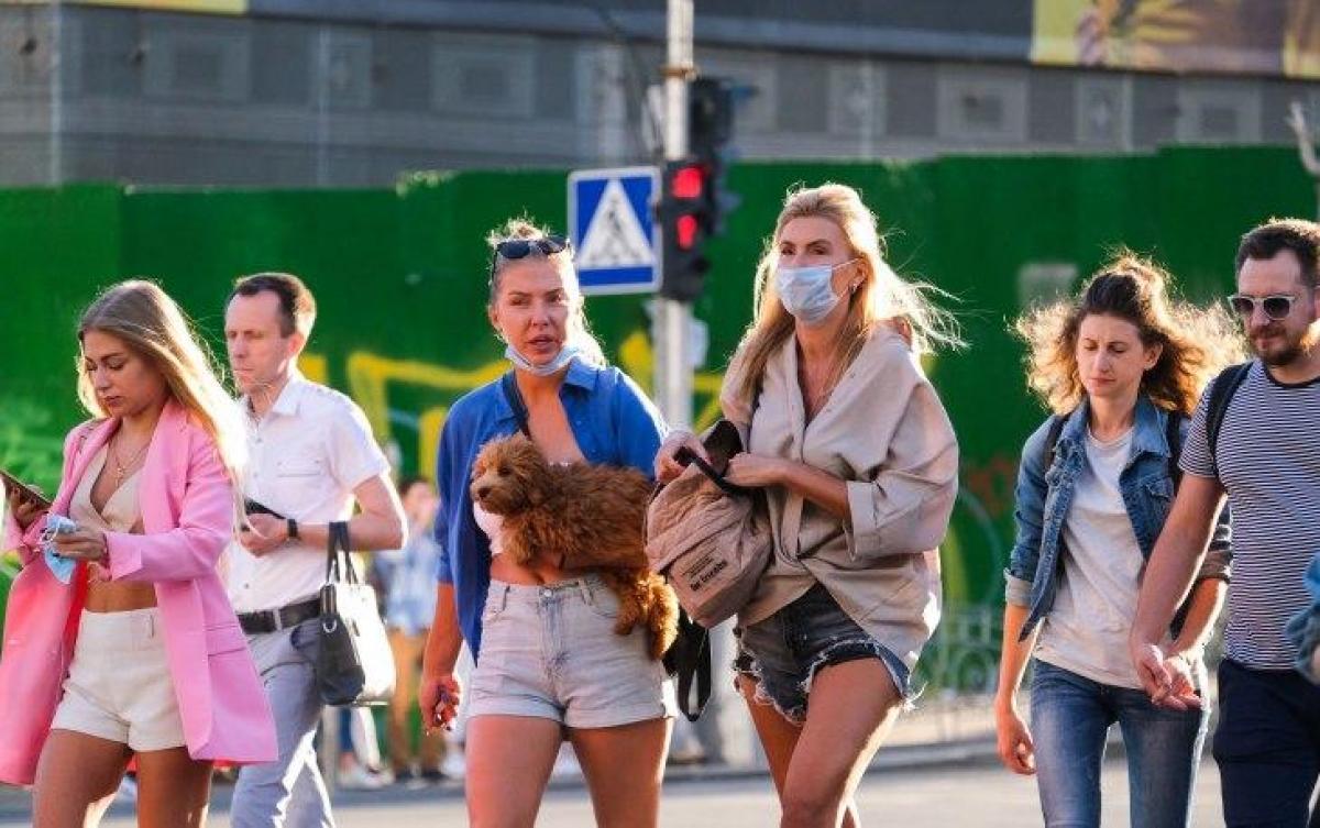 Епідеміолог попередила, що в нашій країні наприкінці літа можуть зрости ризики поширення китайського вірусу – Коронавірус Україна новини