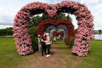 Сексолог сказал, что целоваться можно столько, сколько человек хочет – Поцелуй вред и польза