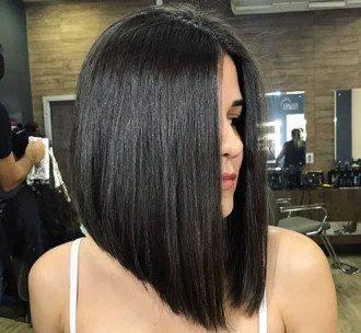 В моду вернулись прямые волосы