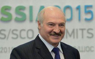 Лукашенко сказал, что Путин делал Порошенко хорошие предложения насчет Донбасса