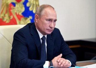 Путін похвалився, що його доньці ввели російську вакцину від COVID-19 – Вакцина від коронавірусу