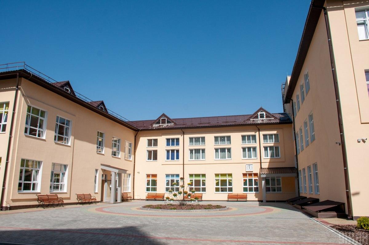 Инфекционист сообщил, что в школах для борьбы с распространение коронавируса нужно следить за влажностью воздуха – Коронавирус и школа Украина
