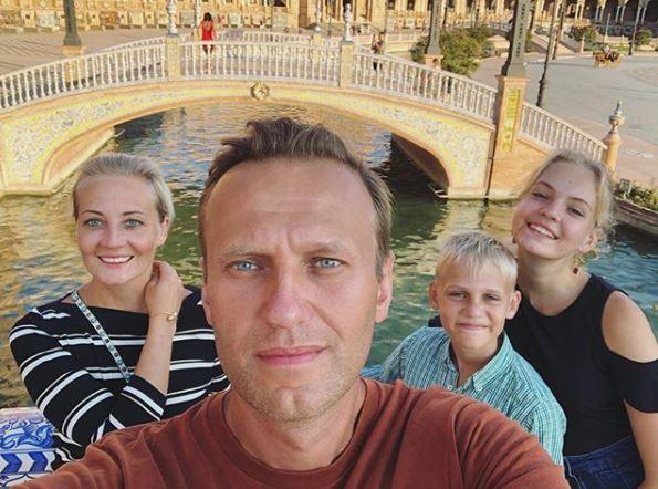 Навальний, сім'я