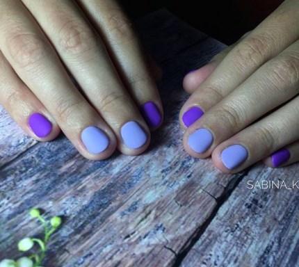 Фіолетовий манікюр осінь 2020