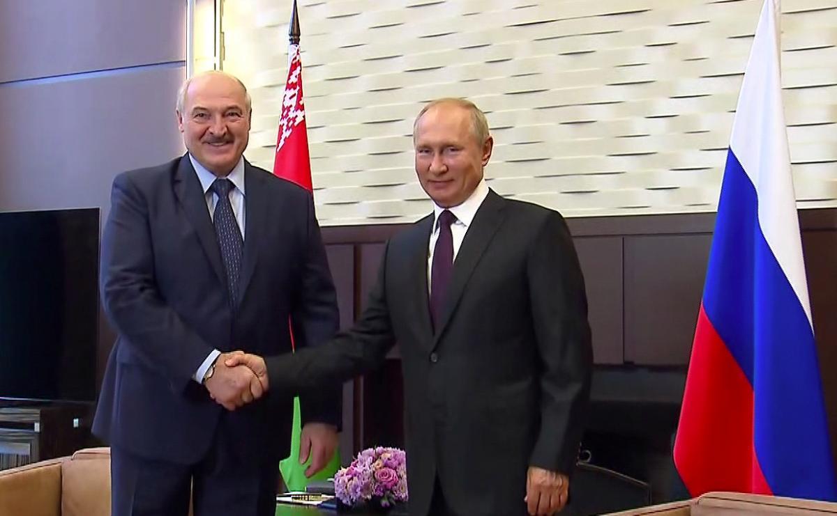 Путин с помощью Лукашенко воплотит в жизнь план по аншлюсу Беларуси, полагает эксперт – Лукашенко Путин