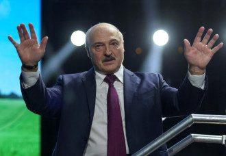 К Лукашенко в баню возили престарелых проституток – известный модельер