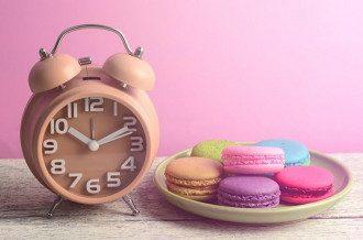 Перехід на зимовий час 2020 - коли переводять годинники в Україні