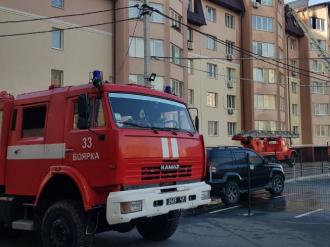 У Софіївській Борщагівці горів багатоквартирний будинок, вигоріло багато квартир, дізналися журналісти – Софіївська Слобідка пожежа