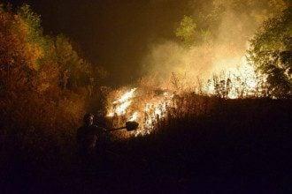 Нагірний Карабах - жителі палять будинки після перемоги Азербайджану