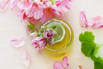 Це масло, що сприяє зміцненню здоров'я, знаходить широке застосування - від приготування їжі до догляду за шкірою/Pixabay