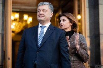 Петро і Марина Порошенко полетіли до Туреччини, з'ясував Лещенко