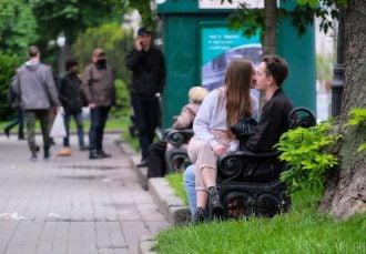 Приятности на любовном фронте сулят Ракам – Гороскоп на сегодня 14 октября 2020 года для всех