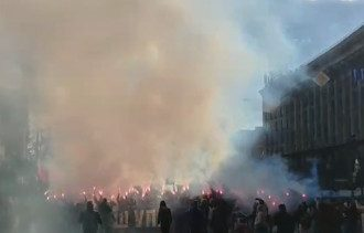 На Марше УПА зажгли файеры / Скриншот