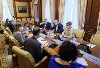 КСУ закрыл реестр деклараций после внешнего вмешательства - Ермак