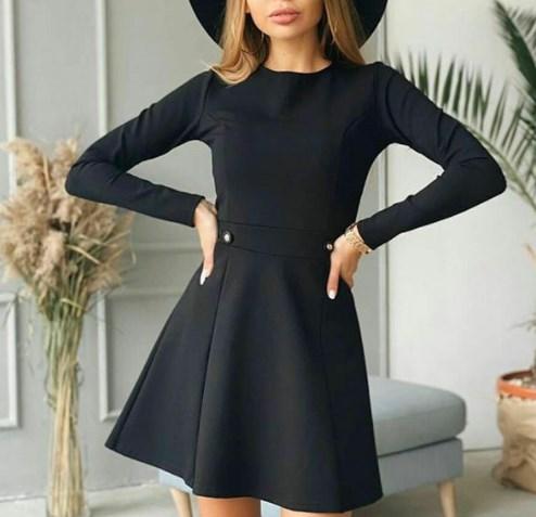 Маленькое черное платье с нами навсегда / Instagram