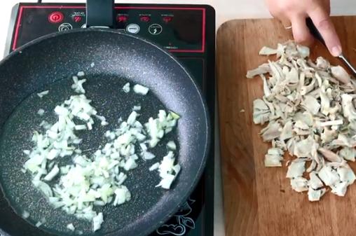 Як вдома зварити суп – рецепт простого харчо