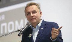 Садовой отказался вводить локдаун на праздники во Львове