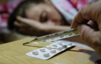 Коронавирус постепенно разгоняется, а при гриппе в первый же день проявляются самые тяжелые симптомы, поделился врач – Коронавирус и грипп отличия