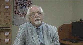 Профессор из Днепра объяснил, почему читает лекции на русском / Фото: скриншот из видео