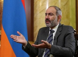 Пашинян заявил о прекращении войны в Карабахе / Reuters