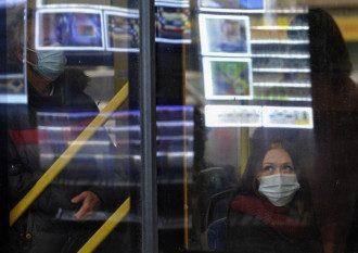 Врач считает, что поездки в общественном транспорте зимой из-за коронавируса станут еще опаснее – Коронавирус новости сегодня