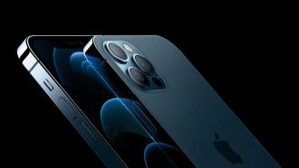 iPhone 12 / Apple