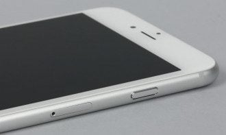 iPhone SE / Apple