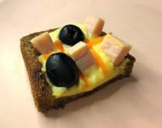 Оригінальна закуска готується на сковороді – Смачні бутерброди