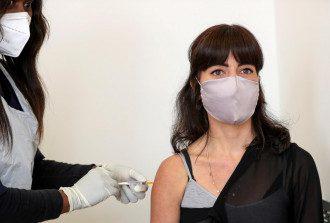 Вакцина может предотвратить осложнения коронавируса, сообщил эксперт – Коронавирус новости сегодня