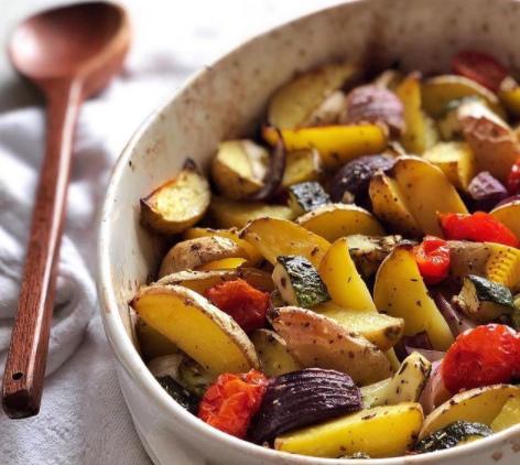 На новорічний стіл можна запекти різні овочі з прованськими травами – Правильне меню на Новий рік 2021 рецепти