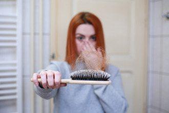 випадання волосся, облисіння