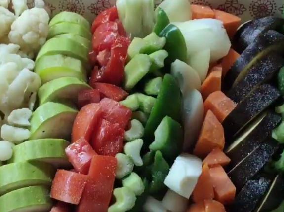 Овощи в духовке запекаются около получаса – Меню на Рождество