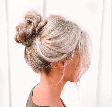 Модна зачіска пучок 2021 / Instagram