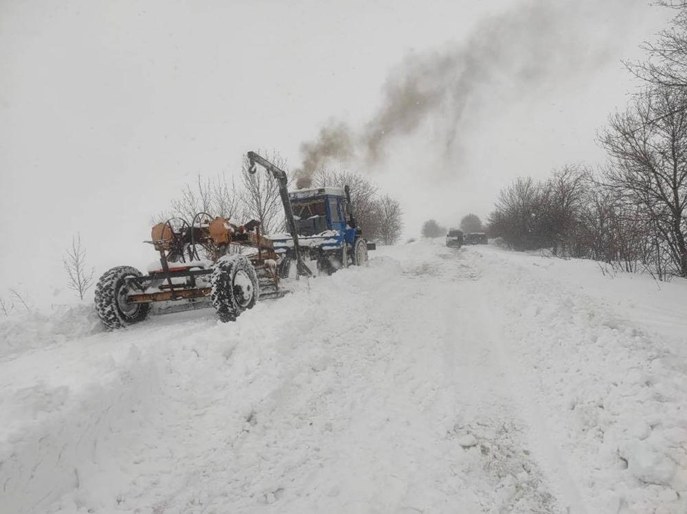 дороги, Сніг