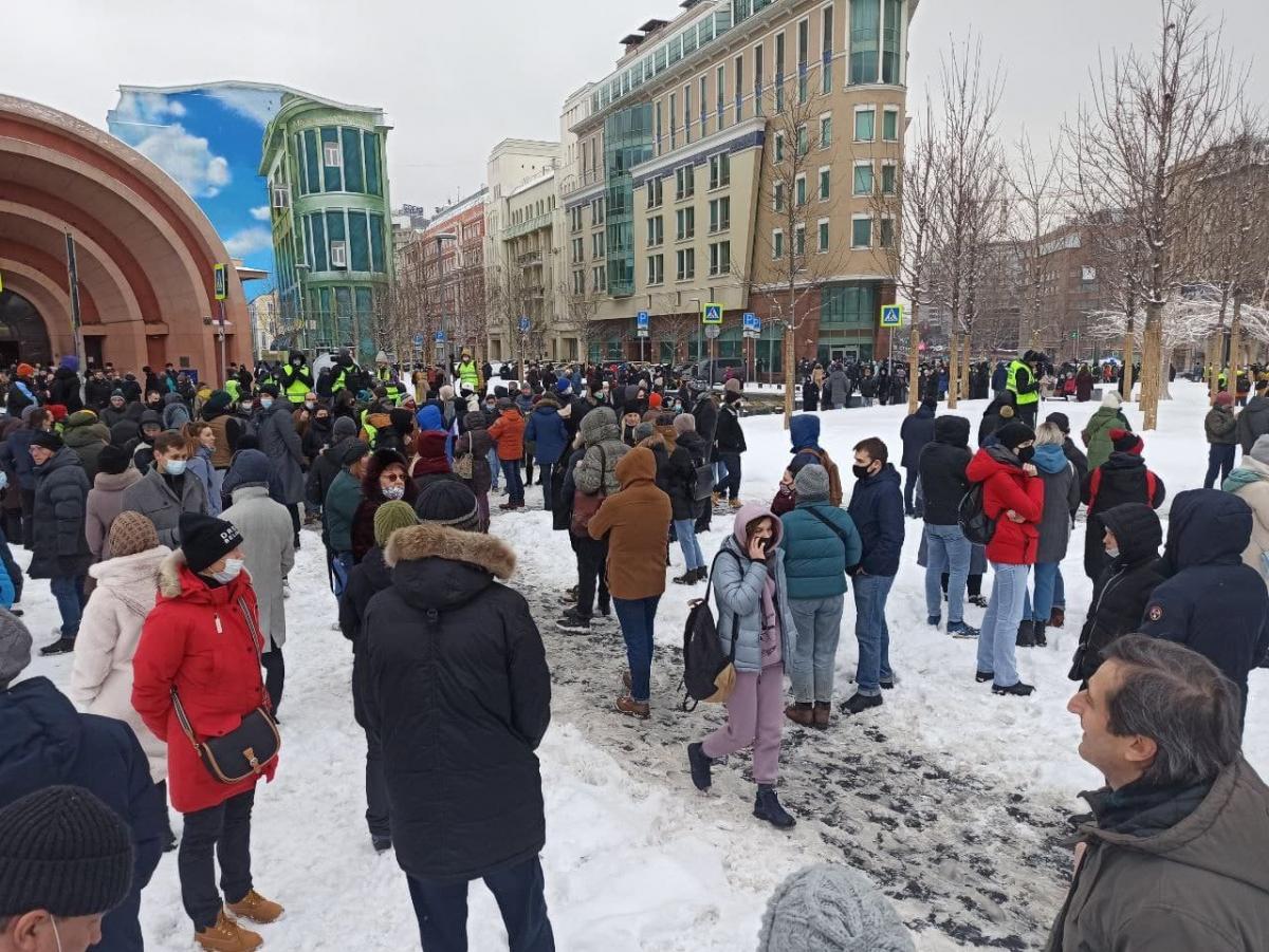 Люди собираются возле метро Красные ворота, Москва / t.me/pr_russia