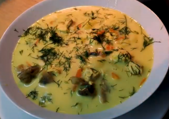 Сырный суп можно быстро приготовить дома