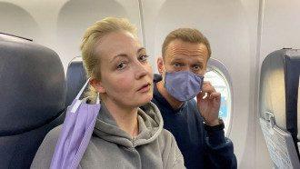 Навальний на борту літака