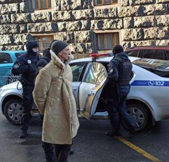 У столиці біля парламентських комітетів затримано озброєного чоловіка – Новини Київ сьогодні