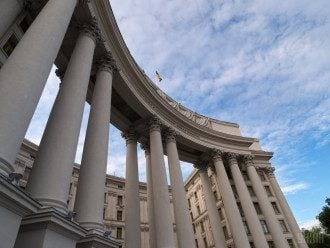 В МИД заявили о высылке дипломата РФ