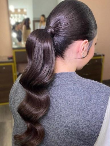 Модна зачіска хвіст 2021