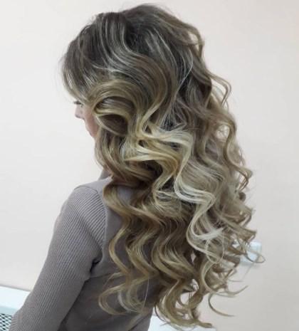 Длинные волосы старят / Instagram