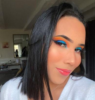 Блакитний макіяж очей весна-літо 2021