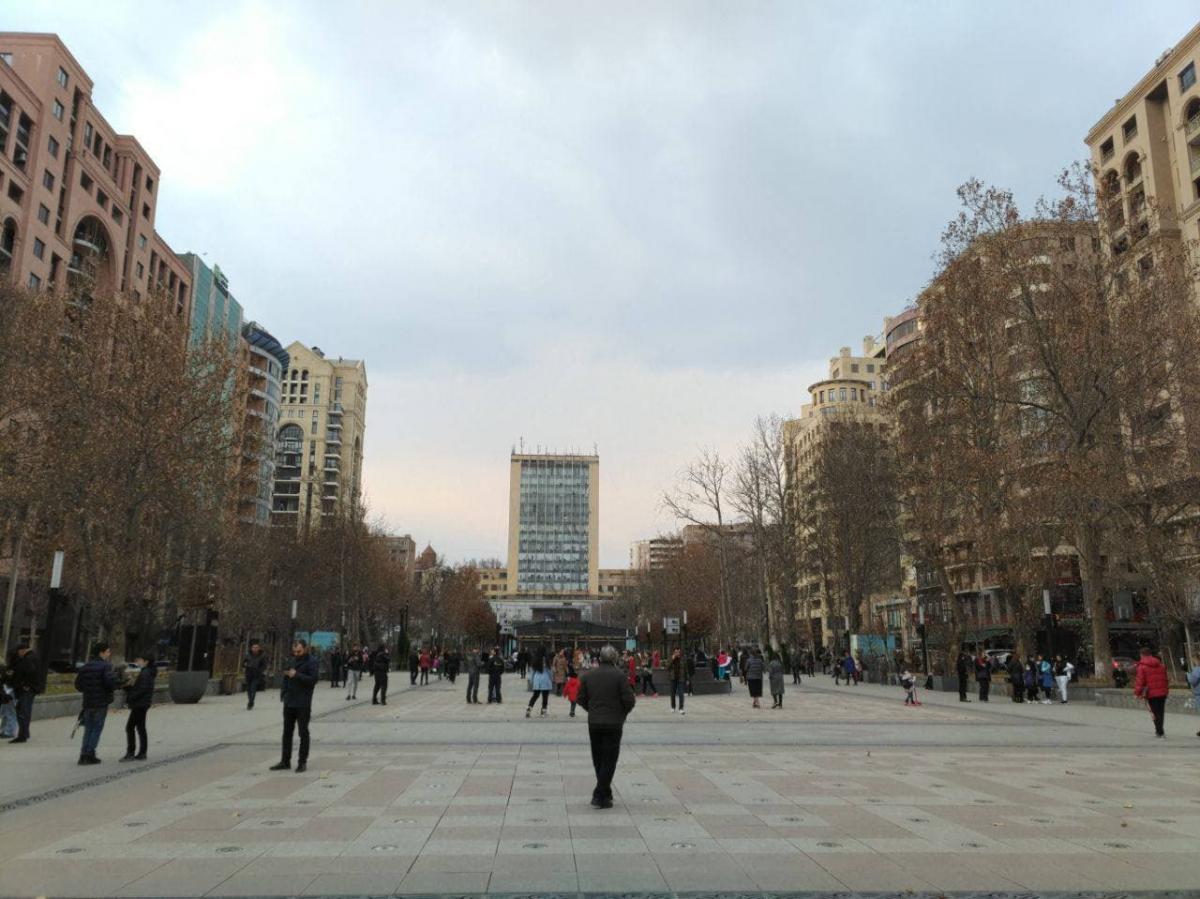 После землетрясения люди вышли на улицы / t.me/SputnikArmenia