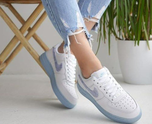 Модні кросівки весна-літо 2021