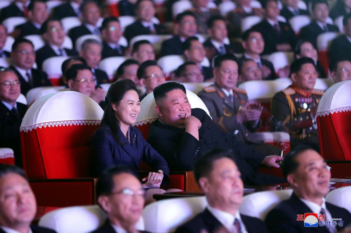 Ким Чен Ын с женой