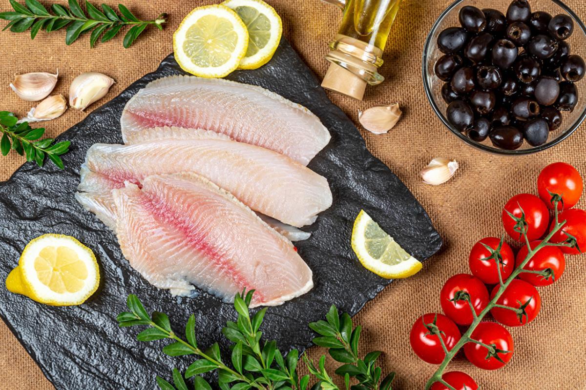 рыба_пища_еда_оливки_лимон