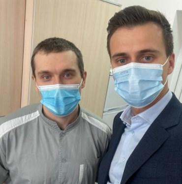 Врач Горенко первым получил вакцину от коронавируса / facebook.com/AleksandrSkichko