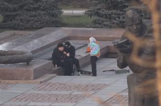 В Николаеве подростки осквернили братскую могилу