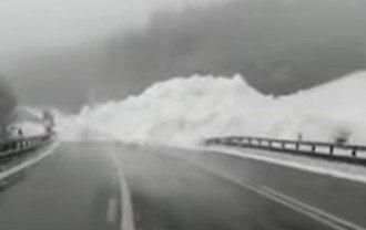 На трассе Киев-Чоп сошла лавина