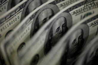Якщо країни почнуть масово відмовлятися від долара, Штатам може загрожувати банкрутство